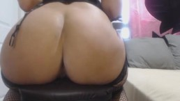 Big ass webcam slut in black stockings squirting like crazy