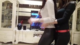 Chinese Girls shake butt with roommate webcam