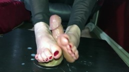 Edging a Cock With My Hands & Feet