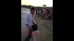 Real Public Blowjob on Beach