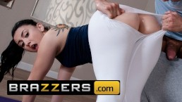 Brazzers PAWG Yoga teen Mandy Muse loves anal