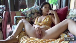 Asian Girl plays the piano and pisses at the garden Kylie_NG